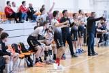 1. liga piłkarzy ręcznych. Mimo osłabień AZS UJK Kielce wyraźnie pokonał SMS ZPRP Kielce