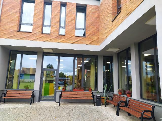 Biblioteka Publiczna w Supraślu doczekała się nowoczesnej siedziby. Budynek oficjalnie został dzisiaj (24 września) otwarty i poświęcony.