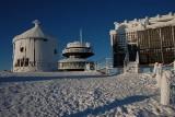 """Tak """"turyści"""" zniszczyli zabytki na Śnieżce. Co im odbiło? [ZDJĘCIA]"""