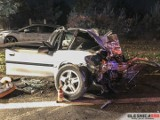 Śmiertelny wypadek koło Sokołowic przy drodze S8. Zderzenie opla z tirem [ZDJĘCIA]