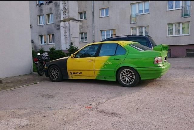 Nie każda makijażystka sprawi, że kobieta będzie wyglądać ładnie, ale i nie każdy mechanik potrafi ulepszyć samochód. Niektórzy domorośli majsterkowicze lubią przesadzić z dodatkami do swojego auta, a wtedy zdjęcia ich samochodów trafiają na Facebookowy profil Janusze Tunningu. Co tam można znaleźć? Zobaczcie sami.