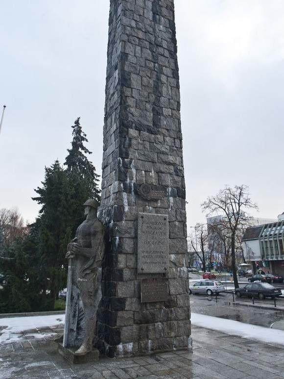 Dyskusja o pomniku Żołnierza Polskiego dzieli kombatantów.