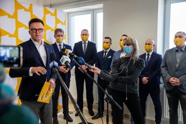 Do współpracy z ruchem Szymona Hołowni dołączyli kolejni samorządowcy: radni z Białegostoku, Łomży i Suwałk