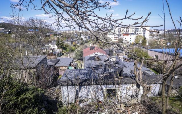 """Prokurator uznał, że uszkadzanie domów na terenie """"Pekinu"""" nie było przestępstwem."""