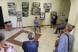 Po plenerze w Miastku. W ratuszu można oglądać wystawę Wojciecha Górki (ZDJĘCIA)