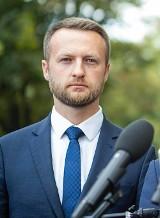 """Poseł z Brodnicy Paweł Szramka zakończył współpracę z Pawłem Kukizem. """"Nie zgadzam się na dogadywanie z PiS-em"""". Wideo z konferencji"""