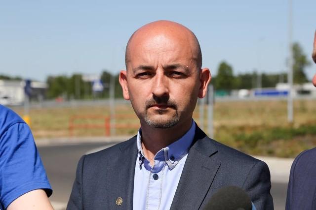 Burmistrz Choroszczy Robert Wardziński potwierdził na Facebooku, że jest zakażony koronawirusem.
