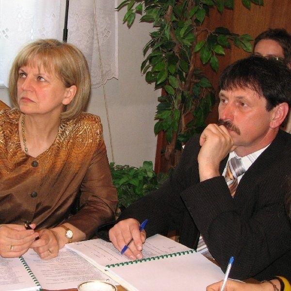 Przeciwko zmianom w wysokości diet głosowała  tylko dwójka radnych: Krystyna Gawron- Fiodorow i Karol Gawroński. Stwierdzili bowiem,  że proponowane podwyżki są zbyt wysokie.