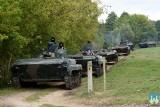 Nowogród. Armia ćwiczy na poligonie. W użyciu czołgi, ciężarówki i helikoptery wojskowe [ZDJĘCIA]