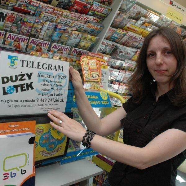 - Z tego co wiem to kupon został złożony w naszej kolekturze około godziny 17.00 we wtorek - mówi Agnieszka Ostrowska, która pracuje w kolekturze przy ul. Legionowej.