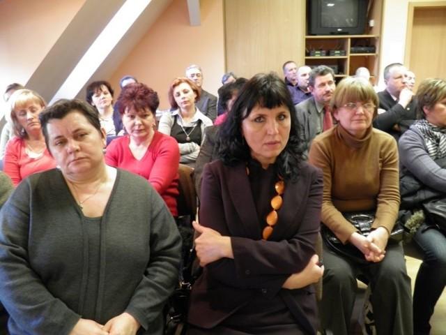 - Przyszyłyśmy z koleżankami na sesję, żeby wyrazić nasz niepokój planowanymi zmianami w szpitalu - mówiła przełożona pielęgniarek Dorota Górecka (w środku)