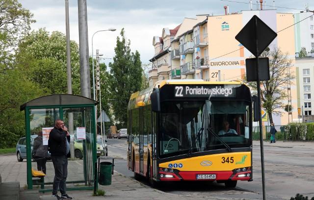 Większość kursów linii nr 22 zostanie skrócona do odcinka Mniszek-al. 23 Stycznia, tylko niektóre będą jeździły do ul. Poniatowskiego,