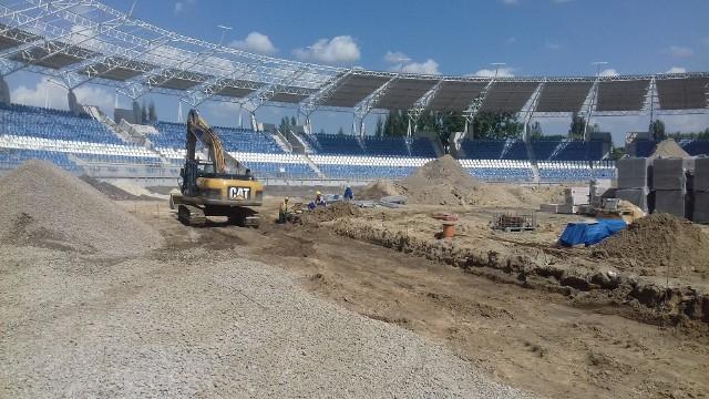 Tak wygląda plac budowy wewnątrz stadionu Orła