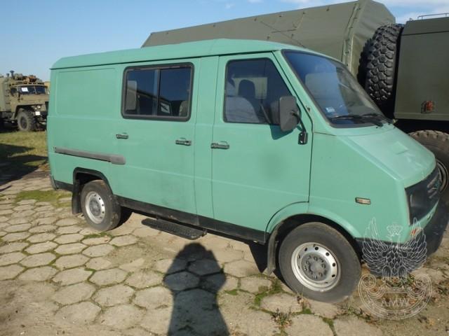 Samochód ogólnego przeznaczenia małej ładowności LUBLIN 3322NR fabryczny: P: SUL332212W0035593 Rok produkcji: 1998 Cena: 2700