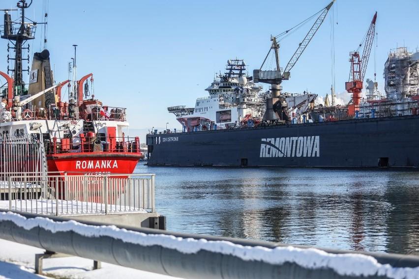 Osoby pracujące na statkach, platformach wiertniczych oraz...