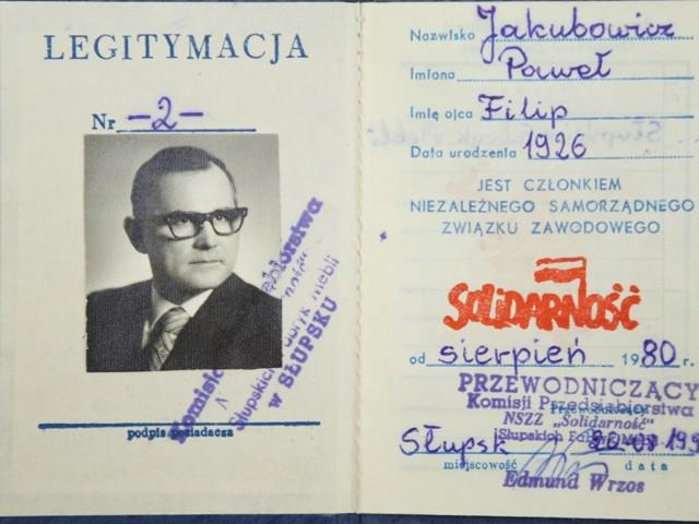"""Na zdjęciu legitymacja związkowa Jakubowicza z numerem """"2""""."""