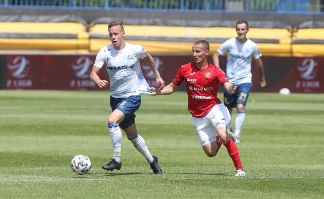 Marcel Kotwica (przy piłce) był pierwszoplanową postacią niedzielnego meczu Stali Rzeszów z Widzewem Łódź
