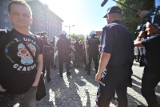 """Marsz narodowców """"Katowice miastem nacjonalizmu"""" już dziś. Lewicowe młodzieżówki zwołują kontrmanifestację"""