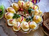 Jajka faszerowane. 3 sposoby na na wielkanocne jajka - nie ma nic prostszego niż te przepisy!