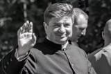 Pogrzeb księdza Arkadiusza Pietuszewskiego w czwartek. Duchowny zginął w tragicznym wypadku na DK 8 [ZDJĘCIA]