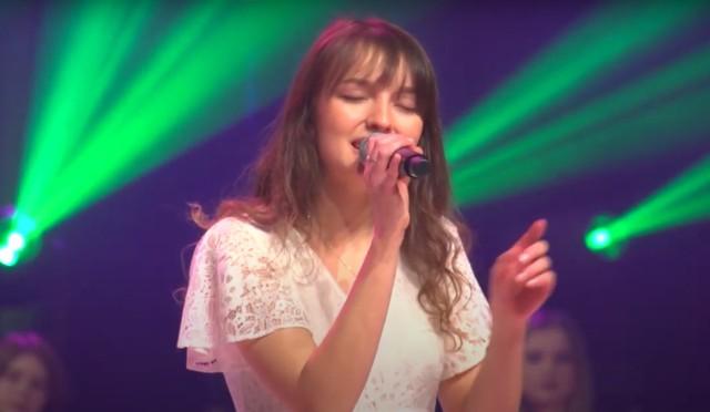Zuzanna Pastuszka z powiatu lipskiego zdobyła nagrodę podczas festiwalu piosenki w Krakowie.