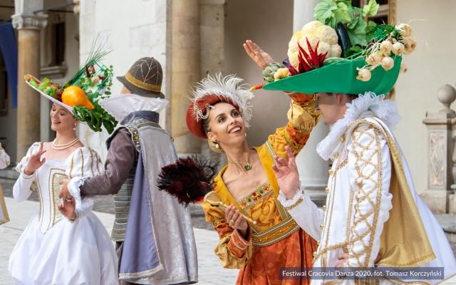 Niezwykły świat fantazji wyczarowany w barokowym ogrodzie w wykonaniu krakowskiego baletu