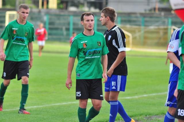 Piłkarze Stali Stalowa Wola (na zdjęciu: Marcin Kowalski oraz Przemysław Stelmach) przegrali w Radomiu z Radomiakiem.