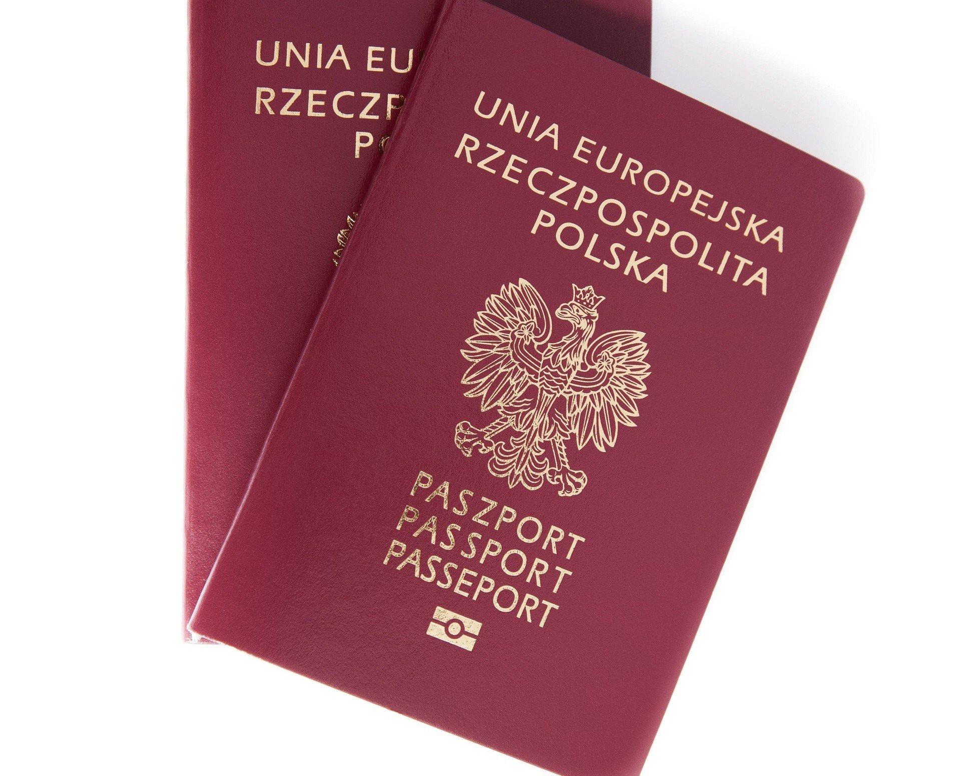 Nowy paszport 2018. Można już składać wnioski. Jak zmienił się ...