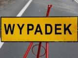 Wypadek koło Dychowa. Zginęła 35-latka. Uderzyła autem w skarpę