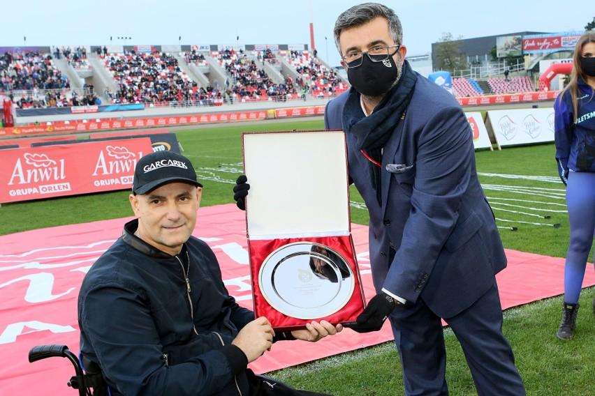 Tomasz Gollob został przyjęty z honorami do Galerii Sław Żużlowej Reprezentacji, a potem musiał oglądać kiepski występ reprezentacji w meczu z Rosją na bydgoskim torze.