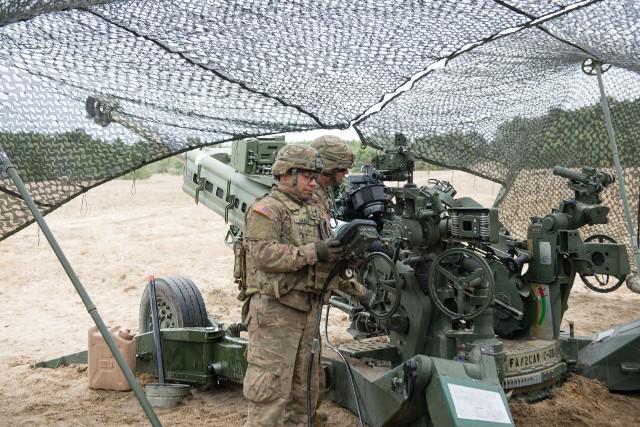 Do 21 maja na toruńskim poligonie szkolić się będą artylerzyści z Polski, Stanów Zjednoczonych, Ukrainy i Danii