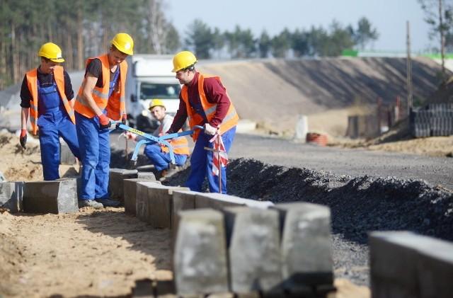 Wszystko wskazuje na to, że na przełomie maja i czerwca zostanie oddany do użytku łącznik między osiedlem Pomorskim w Zielonej Górze a trasą S3. To wspólna inwestycja Generalnej Dyrekcji Dróg Krajowych i Autostrad oraz miasta Zielona Góra.