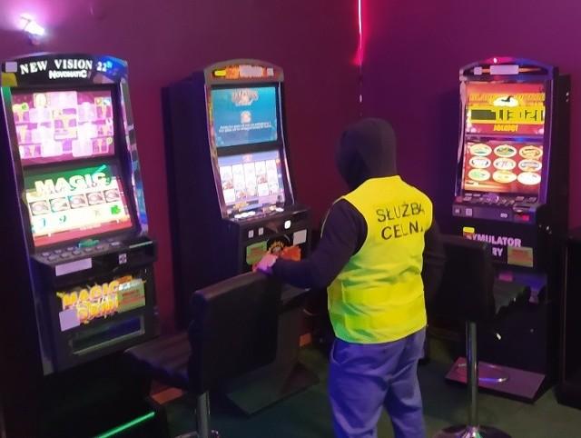 Sześć automatów do nielegalnego hazardu KAS ujawniła w Dębicy.