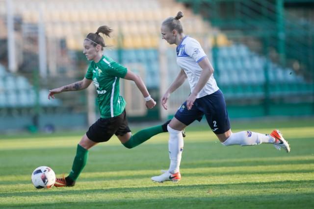 Ewelina Kamczyk (z lewej) zostaje w Górniku na kolejny sezon