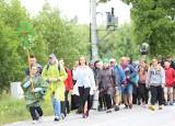 Uczestnicy 40. Kieleckiej Pieszej Pielgrzymki na Jasną Górę z Buska dotarli do Pińczowa [WIDEO, ZDJĘCIA]