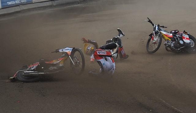 Podczas meczu doszło do groźnej krasy Patryka Wojdyły i Bartosza Curzytka