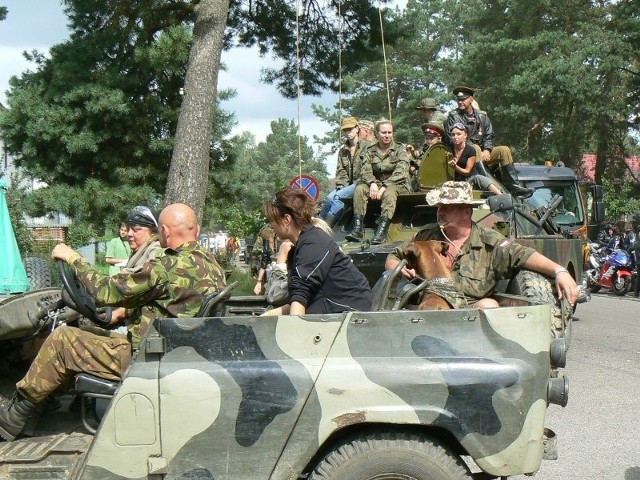 Borne Sulinowo - zlot pojazdów militarnychKolejny dzien zlotu pojazdów militarnych w Bornem Sulinowie.