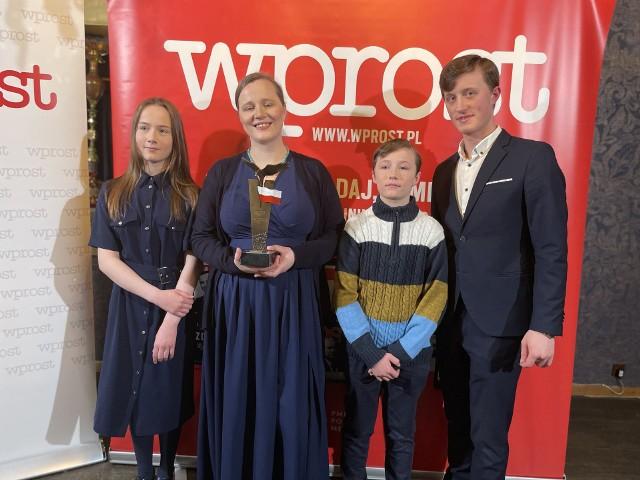 Marzena i Paweł Zakrzewscy zostali wyróżnieni Orłem Wprost Polskiej Edukacji za wieloletnie działania na rzecz wsparcia edukacji domowej.