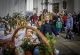 Wielkanoc 2017. Święcenie pokarmów w pomorskich kościołach [ZDJĘCIA]
