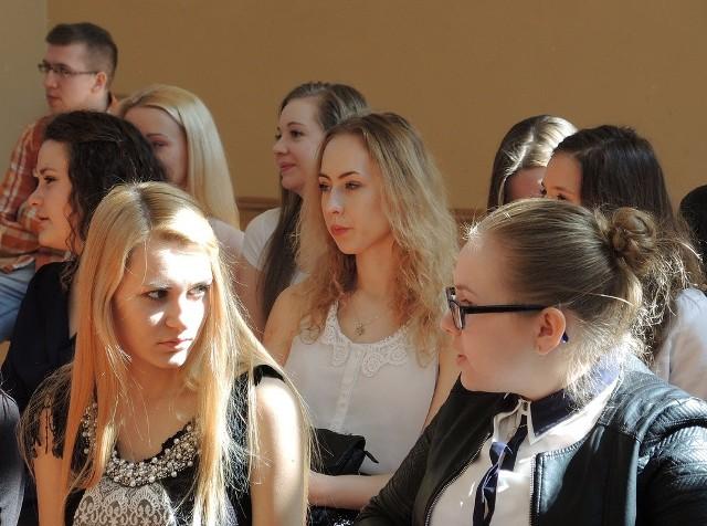 W piątek pożegnano absolwentów Liceum Ogólnokształcącego w Miastku. To zarazem koniec nauki w budynku przy ulicy Mickiewicza.