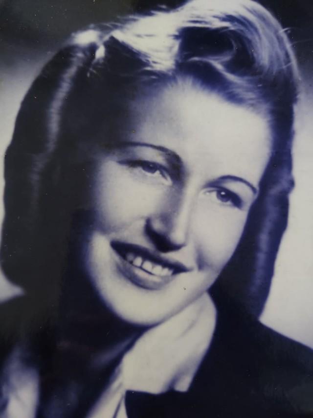 Halina Naumik (1927-2021)