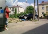 Wypadek corvetty. Auto frunęło w powietrzu