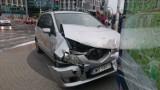 Wrocław: Wypadek na Swobodnej. Ford po zderzeniu na boku (ZDJĘCIA)