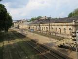 Dwa oblicza budynku aleksandrowskiego dworca kolejowego [zdjęcia]