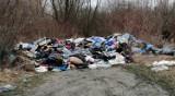 Dzikie wysypisko śmieci na ul. Ułańskiej w Przemyślu. Miasto zareagowało po naszym sygnale
