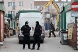 Mord i wybuch na Dębcu w Poznaniu: Tomasz J. pozostaje w areszcie, bo mógłby zabić kolejne osoby