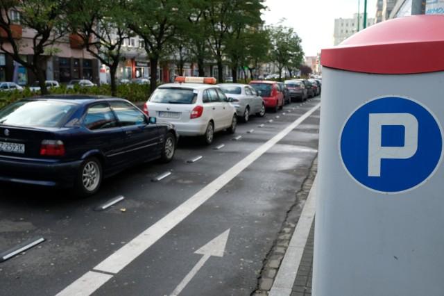 Strefa parkowania bezpłatna dla taksówkarzy. Ale...