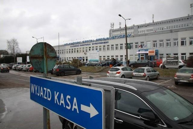 W związku z tą sytuacją, przy Kraśnickiej trwa jeszcze dezynfekcja szpitalnego oddziału ratunkowego. Po godz. 12 SOR zacznie ponownie działać w pełnej obsadzie dyżurowej