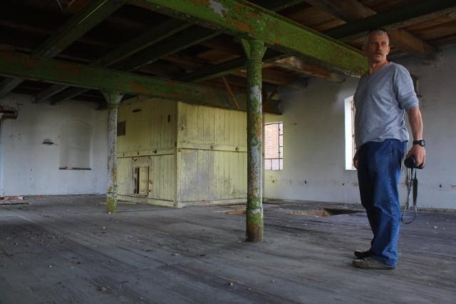 młyn- Z budynkiem nie jest tak źle, jak mogłoby się wydawać - mówił w maju Wojciech Eckert z zielonogórskiego oddziału NID, podczas wizji lokalnej.