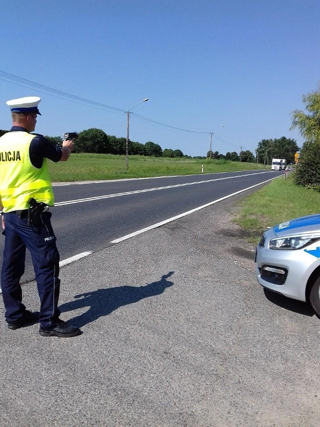 Kontroli na drogach coraz więcej